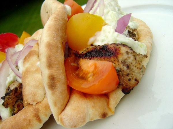 Grilled Chicken Gyros: A classic Greek blend of herbs and garlic transforms plain chicken into an incredible meal. #chickengyros #grilledchickengyros #gyros #homemade #streetfood