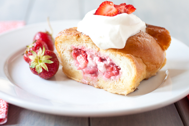 strawberry stuffed french toast 1