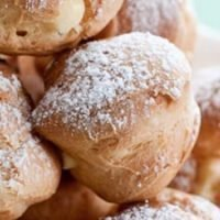 Cream Puffs with Pastry Cream