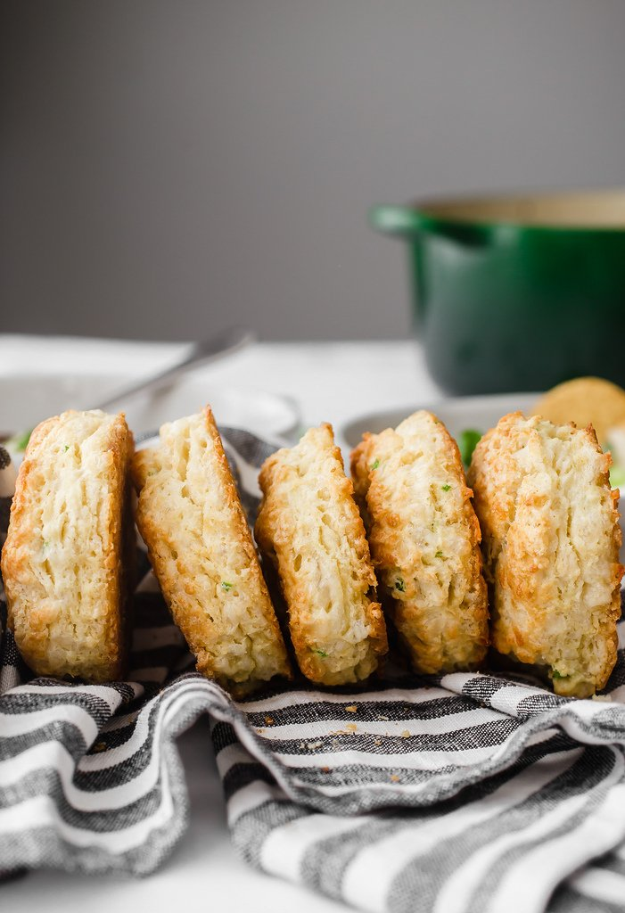 Jalapeño Cheddar Biscuits: Buttery, cheesy, jalapeño-flavored biscuits that are perfect for chili-dipping and without a whole lot of spiciness! #jalapeño #cheddar #cheese #biscuit #buttermilk #homemade #easy #fromscratch #weeknight #recipe #baking