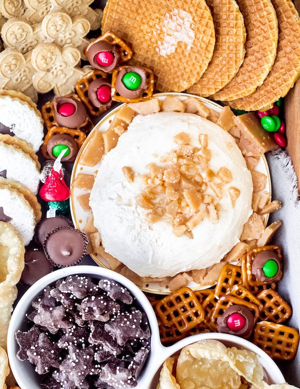 How to Build a Holiday Dessert Board